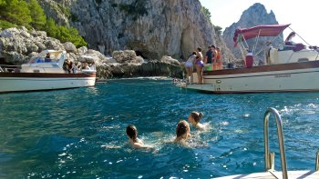 Classic Capri Tour by Boat with Light Lunch from Sorrento