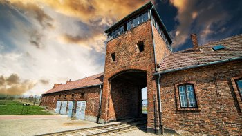 Guided Tour of Auschwitz-Birkenau Concentration Camp Memorial