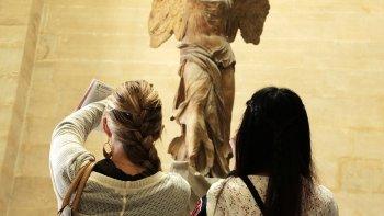 Skip-the-Line: Semi Private Louvre Tour