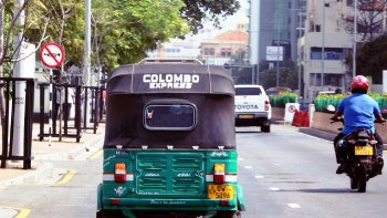 Small-Group Colombo by Tuk-Tuk Tour