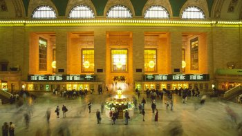 New York Day Trip from Philadelphia by Train with Hop-on Hop-Off