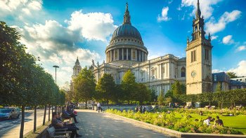 Full-Day Coach Tour to St Paul's Cathedral & Tower of London with River Cru...