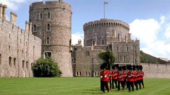 Salir de la ciudad,Excursions,Excursiones de un día,Full-day excursions,Excursión a Stonehenge,Stonhenge and Bath,Excursión a Bath,Bath + Stonehenge + Windsor,Excursión a Castillo de Windsor,Windsor Castle