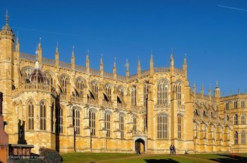 Windsor Castle, Stonehenge & Oxford Day Tour with Admission