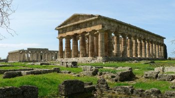 Paestum & Mozzarella Farm Tour from the Amalfi Coast