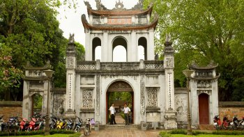 Full-Day Hanoi History & Landmarks Tour