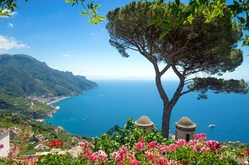 2-Day Tour: Amalfi Coast & Capri Tour with Overnight Stay in Sorrento