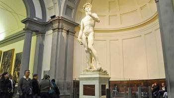 Skip-the-Line: Accademia Gallery Guided Tour with Transport from Pisa