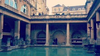 Private Small-Group Tour of Bath, Stonehenge & Salisbury