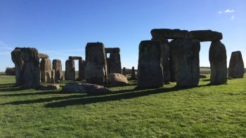 Small-Group Private Tour of Stonehenge & Bath