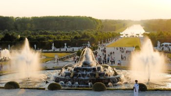 Versailles Tour & Musical Fountains Show with Skip-the-Line Entry