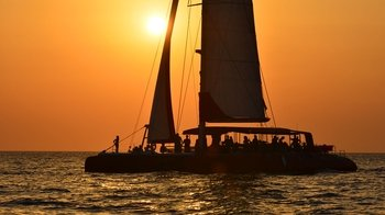 Sunset Catamaran Trip Aboard Fountaine Pajot Taïti 80