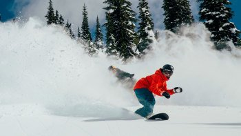 Downtown Salt Lake City: Snowboard Hire Package
