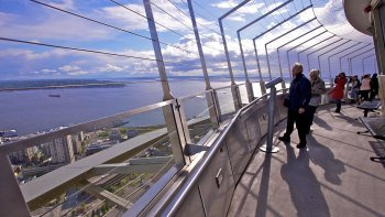 Seattle City Tour with Top of the Space Needle Experience