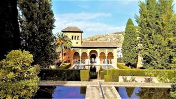 Full-Day Tour to the Alhambra from Marbella or Malaga