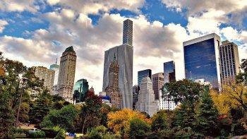 Day Trip to New York City with Lunch & Hop-On Hop-Off Tour