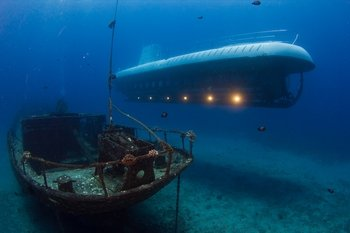 Underwater Submarine Adventure