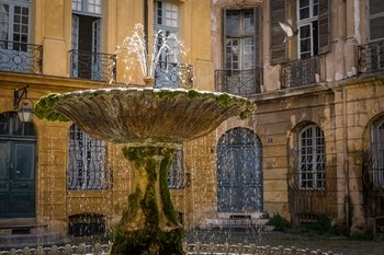 Aix en Provence & Provence wine Day Tour from Marseille