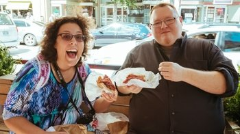 Noshes & Nibbles: Jewish District Food & Walking Tour