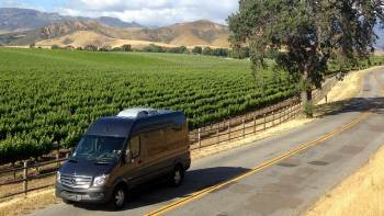 Full-Day Small Group Wine Tour with Picnic Lunch