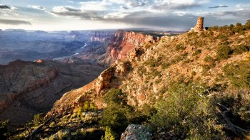 Grand Canyon, Sedona & Navajo Tour with Helicopter Flight