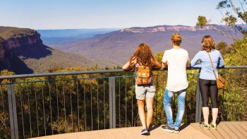 Full-Day Blue Mountains & Jenolan Caves Tour
