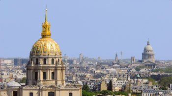 Full-Day Paris Tour via Eurostar with Seine River Cruise & Eiffel Tower