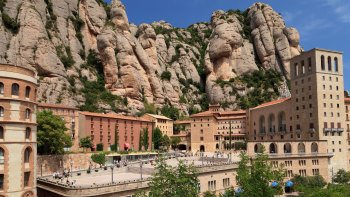 Early Access Montserrat Half Day Tour from Barcelona
