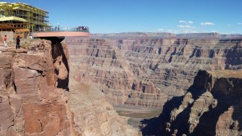 Grand Canyon Air Tour, Pontoon Boat Ride & Skywalk Access Tour