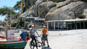 Half-Day Hua Hin City & Country Highlights Tour via Bike