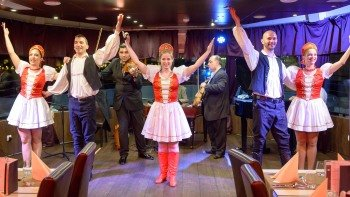 Dinner Cruise with Operetta & Folk Show