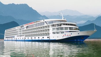 4-Day Yangtze River Cruise from Chongqing On board Century Legend
