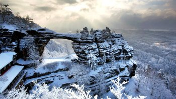 Small-Group Bohemian & Saxon Switzerland Winter Day Trip with Lunch