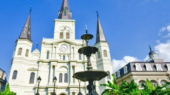 French Quarter & Above-Ground Cemetery Walking Tour