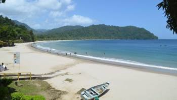 Day Trip to Las Cuevas Beach