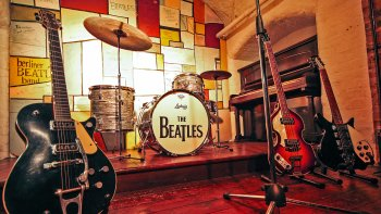 Liverpool & The Beatles Full-Day Rail Tour