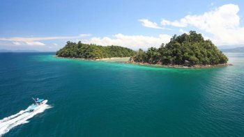 Snorkelling & Kayaking Experience on Dinawan Island with Buffet Lunch
