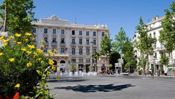 Half-Day French Riviera Tour with Cannes, Antibes & St. Paul de Vence