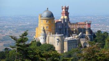 ,Excursión a Sintra,Excursion to Sintra,Excursión a Cascais,Excursión a Estoril,Con visita a Cascais incluida