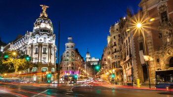 Madrid Night Tour to Royal Palace, Gran Via & Plaza Mayor