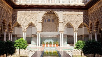 Early Morning Skip-the-Line Tour of The Alcázar of Seville