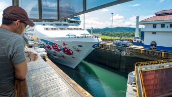 Private Full-Day Historical Panama City & Canal Deluxe Tour