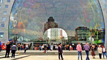 Private Rotterdam Walking Tour to Centraal Station & Kubuswoningen