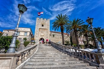 Mediaeval Towns of Ston & Korcula Full-Day Tour