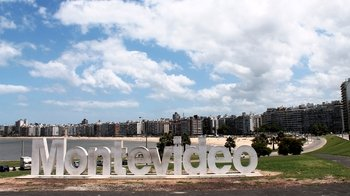 Private Montevideo City Tour with Traditional Lunch