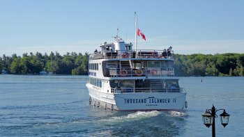5-Day Niagara Falls, Toronto, Thousand Islands, D.C. & Philadelphia Tour