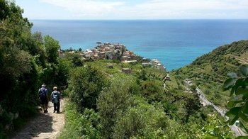 Cinque Terre Hike to Corniglia with Tastings