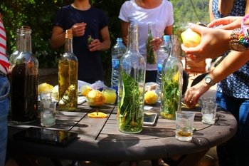 Small-Group Hierbas Alcoholic drinks Making Tour