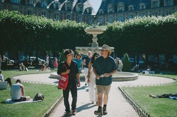Small-Group Full-Day Paris Food & Culture Tour with Tastings