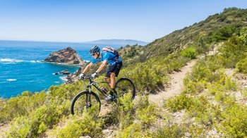 Guided Mountain Bike Tour with Mallorcan Snacks